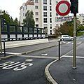 Pont Chemin Français/ Nicolas Bruand...<b>borne</b> cassée...tout le monde roule...bonjour les nuisances et le danger!....