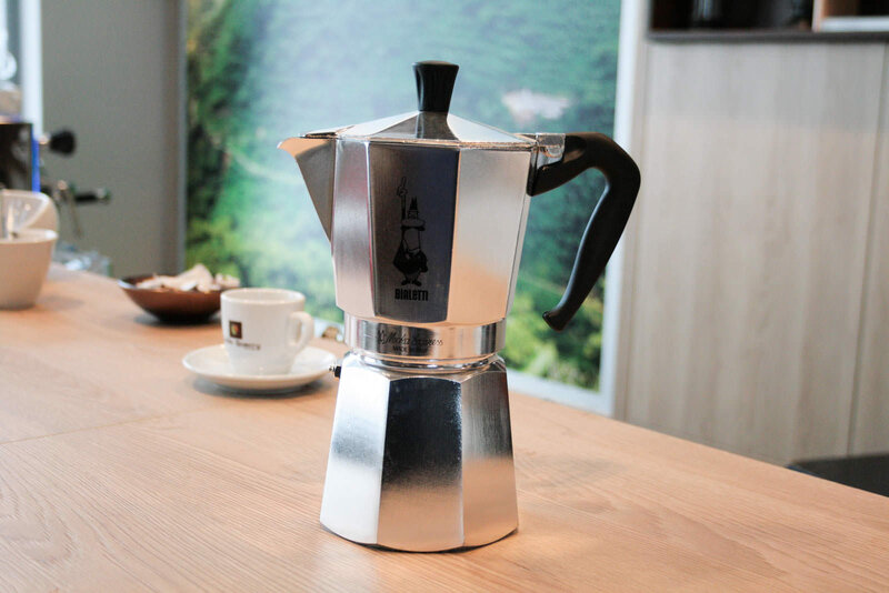 cafetiere-italienne-bialetti-moka-express-9-tasses-1