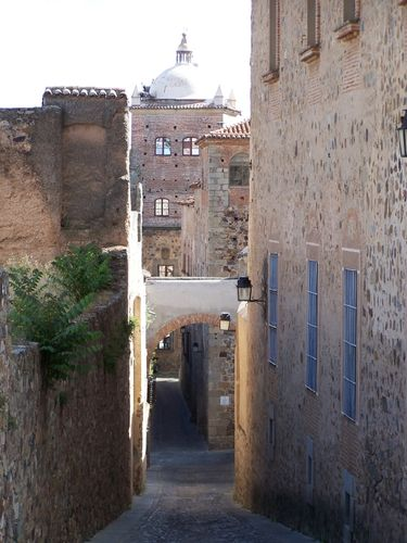 Caceres-ruelle