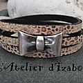 Noeud papillon et cuir moucheté guépard <b>beige</b>-<b>marron</b> pour ce <b>bracelet</b> triple tour en cuir et fermoir aimanté sécurisé !