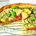 Tarte carpaccio de deux courgettes, féta, pesto de poivrons et coeur de tomate