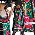 Look folklorique et dentelle : la robe trapèze mise sur un tissu traditionnel chinois à l'imprimé fleuri !