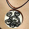 pendentif fleurs noires V3