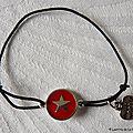 Bracelet Star rouge sur fil élastique noir