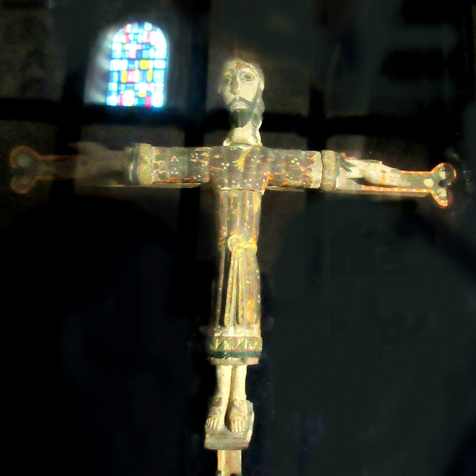 Christ polychrome et reliquaire de Saint-Michel d'Aiguilhe (43)