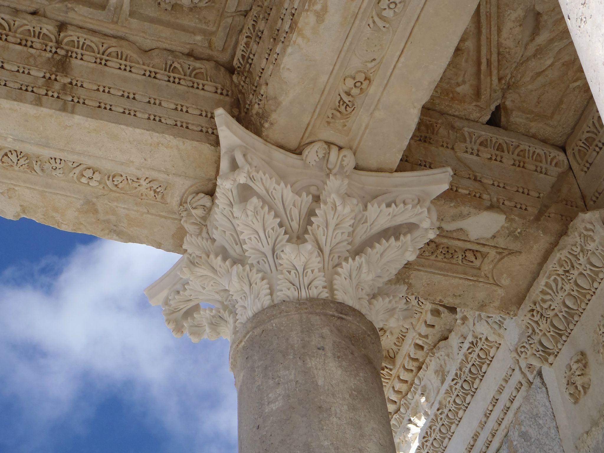 turquie sagalassos details des chapiteaux