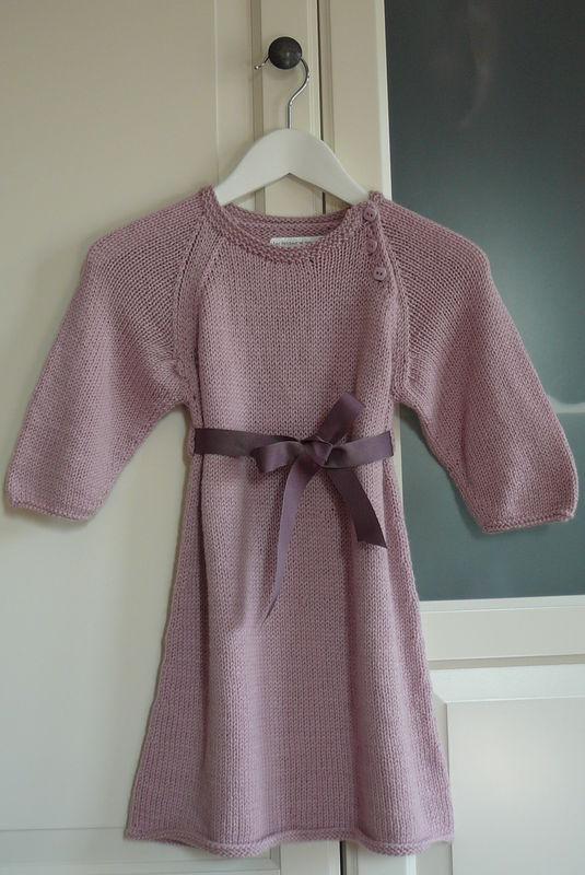 Robe en cashmere et laine, ruban violet pour Emma (taille 18 mois)