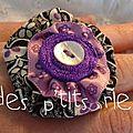 bague fleur tissu avec bouton et rubans