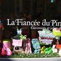 Je suis ravie que mes petits <b>papiers</b> aient rejoint la bien jolie boutique de La fiancée du pirate à Toulon!