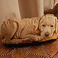 Un cane da guardia a casa!- A watchdog at home! Un chien de garde à la Maison!