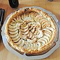 Hum!! une bonne tarte pomme rhubarbe