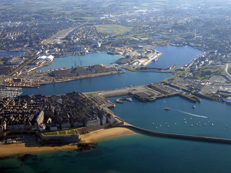 1200px-IMG_2935_StMalo