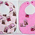 Bavoir réversible pour fille avec timbres exotiques roses