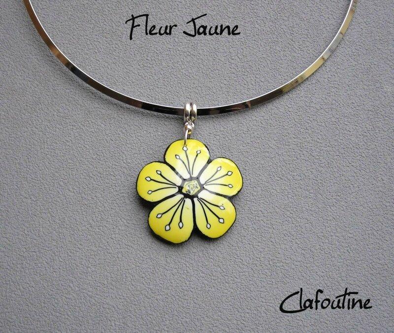 Fleur jaune, le pendentif 15.80€
