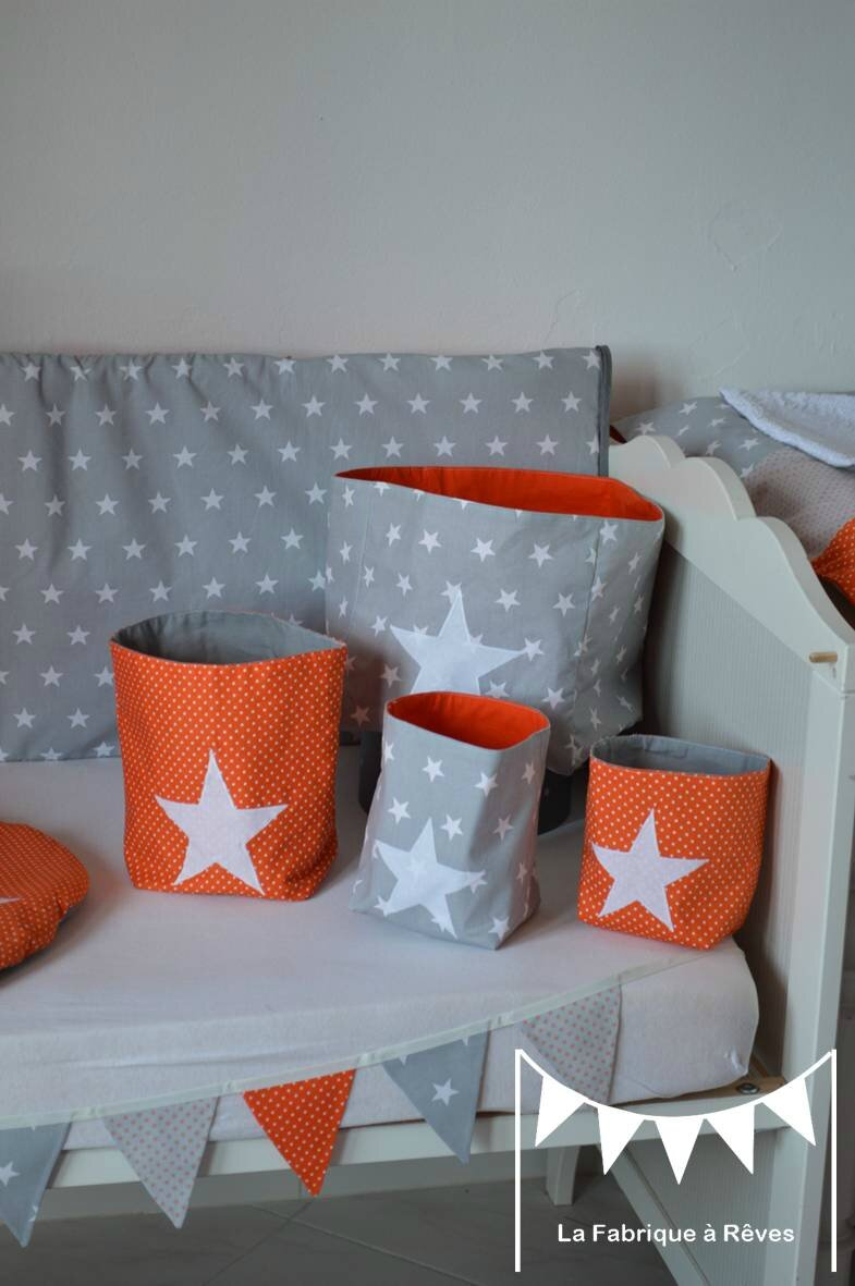 pochons rangement r versible chambre b b gar on orange gris blanc toiles photo de 3. Black Bedroom Furniture Sets. Home Design Ideas
