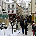 Le Sacré-Coeur depuis la rue Norvins à Montmartre.