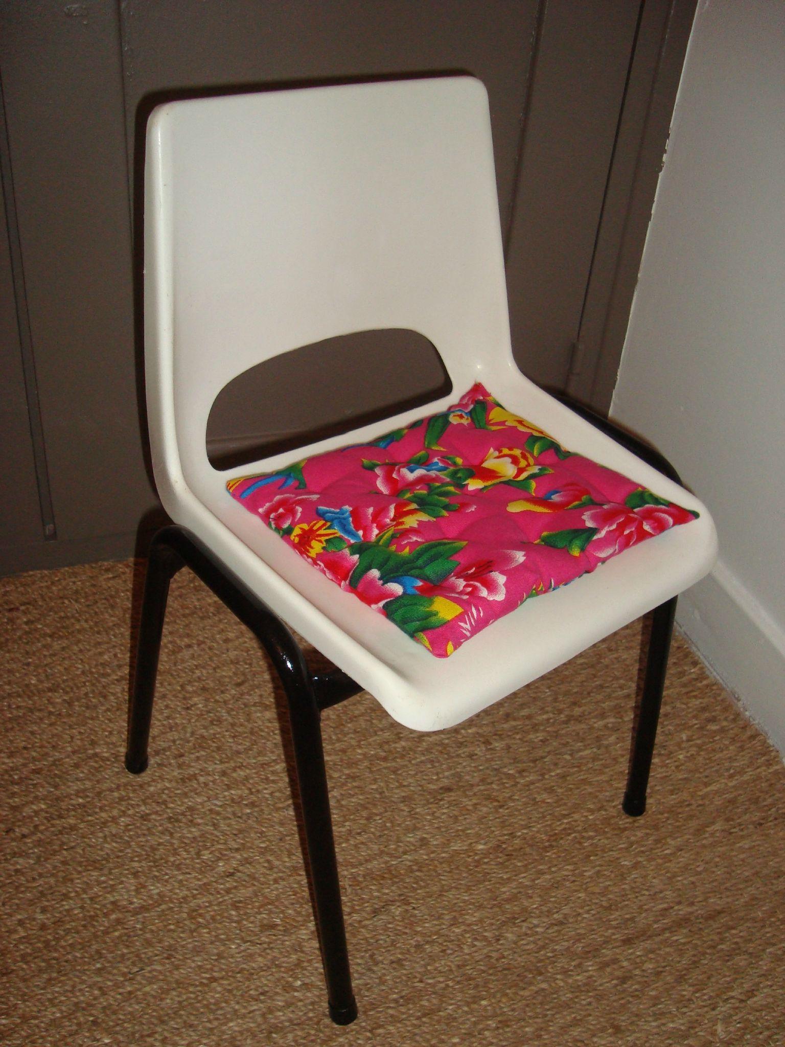 Chaise écolier coque