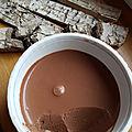 Crème au chocolat goûteuse et toute simple