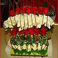 Composition florale en rouge et blanc