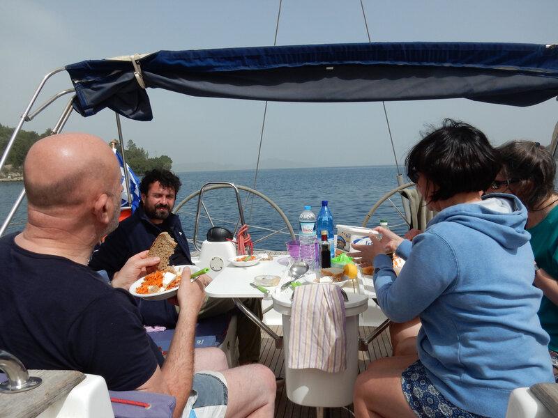 Déjeuner dans la baie de Silla 170418 DSCN6959