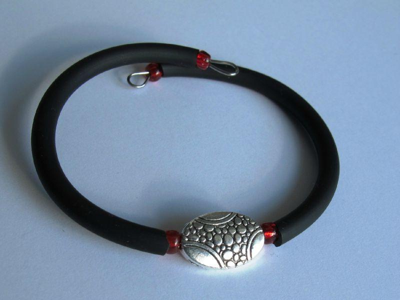 bracelet ovale japonnais perles rouges