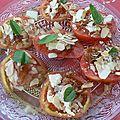 Salade de tomates a la confiture d'oignons et au parmesan