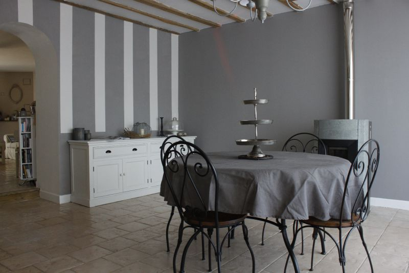 Mg  Photo De Salle  Manger  Beige Blanc Gris