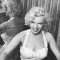 3/07/1953 Marilyn dans son appartement par <b>Bob</b> <b>Beerman</b>