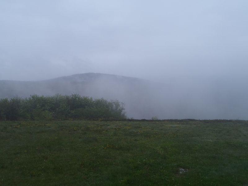 suc de may 908m nuages