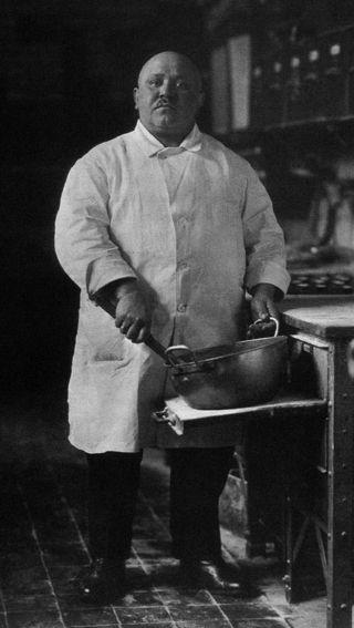 63. Auguste SANDER, Maître pâtissier, 1928.