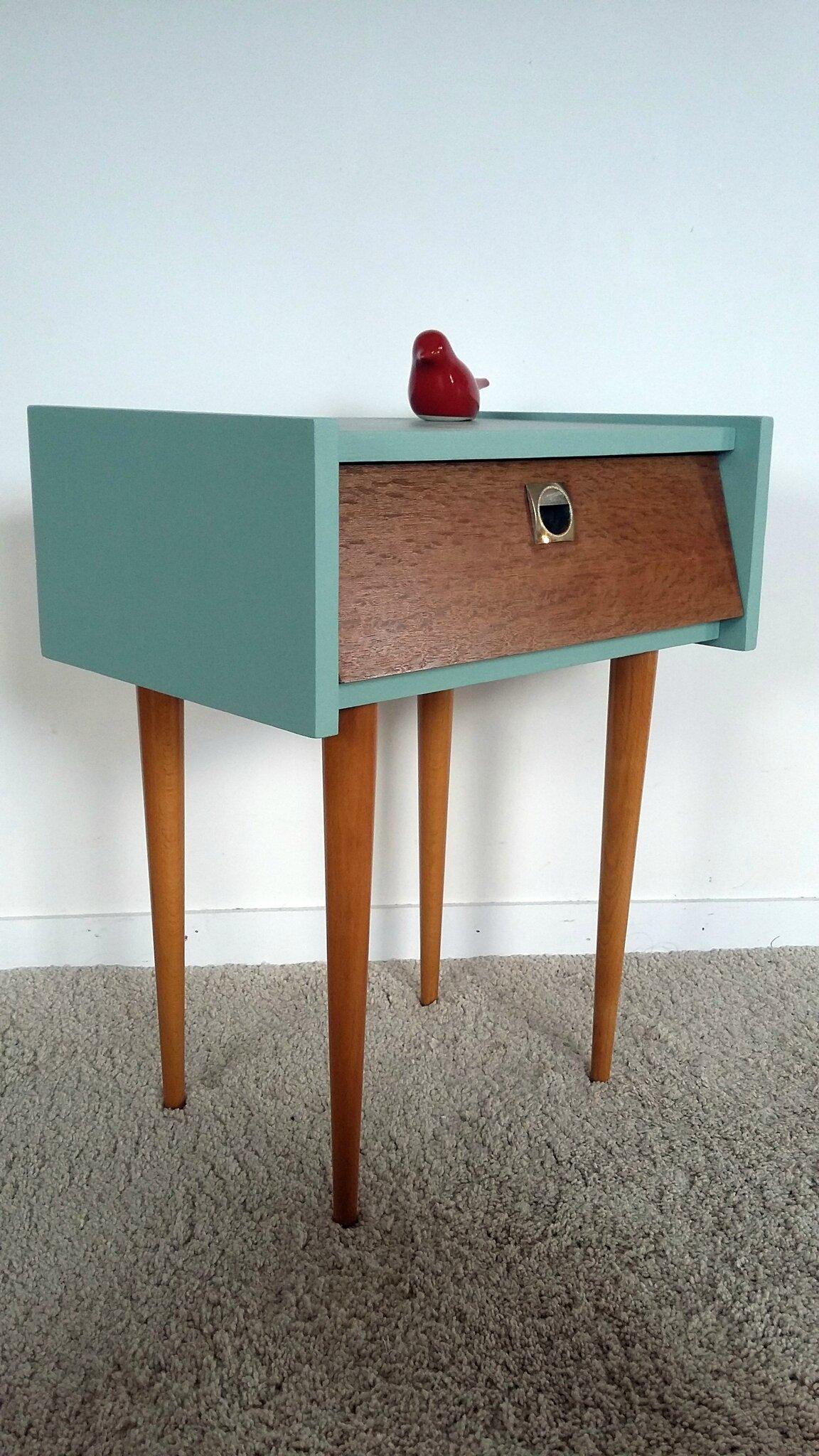 Table de chevet vintage années 60 pieds fuseaux