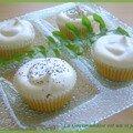 Royal icing cupcakes