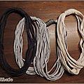 Colliers zpagetti gris foncé, gris clair et beige