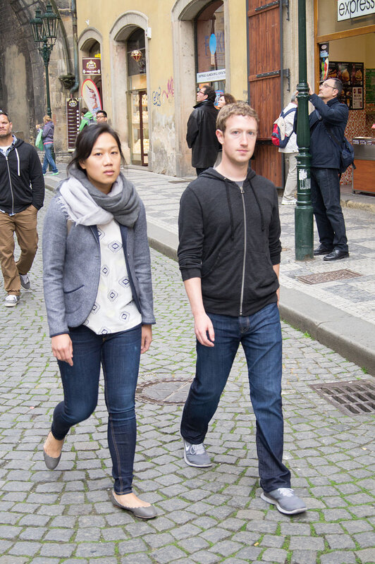 Photo-Mark_Zuckerberg-et-Priscilla-Chan-in_Prague_2013
