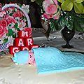 Gâteau d'anniversaire ou de naissance: bébé dort