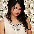 <b>Selena</b> <b>Gomez</b>