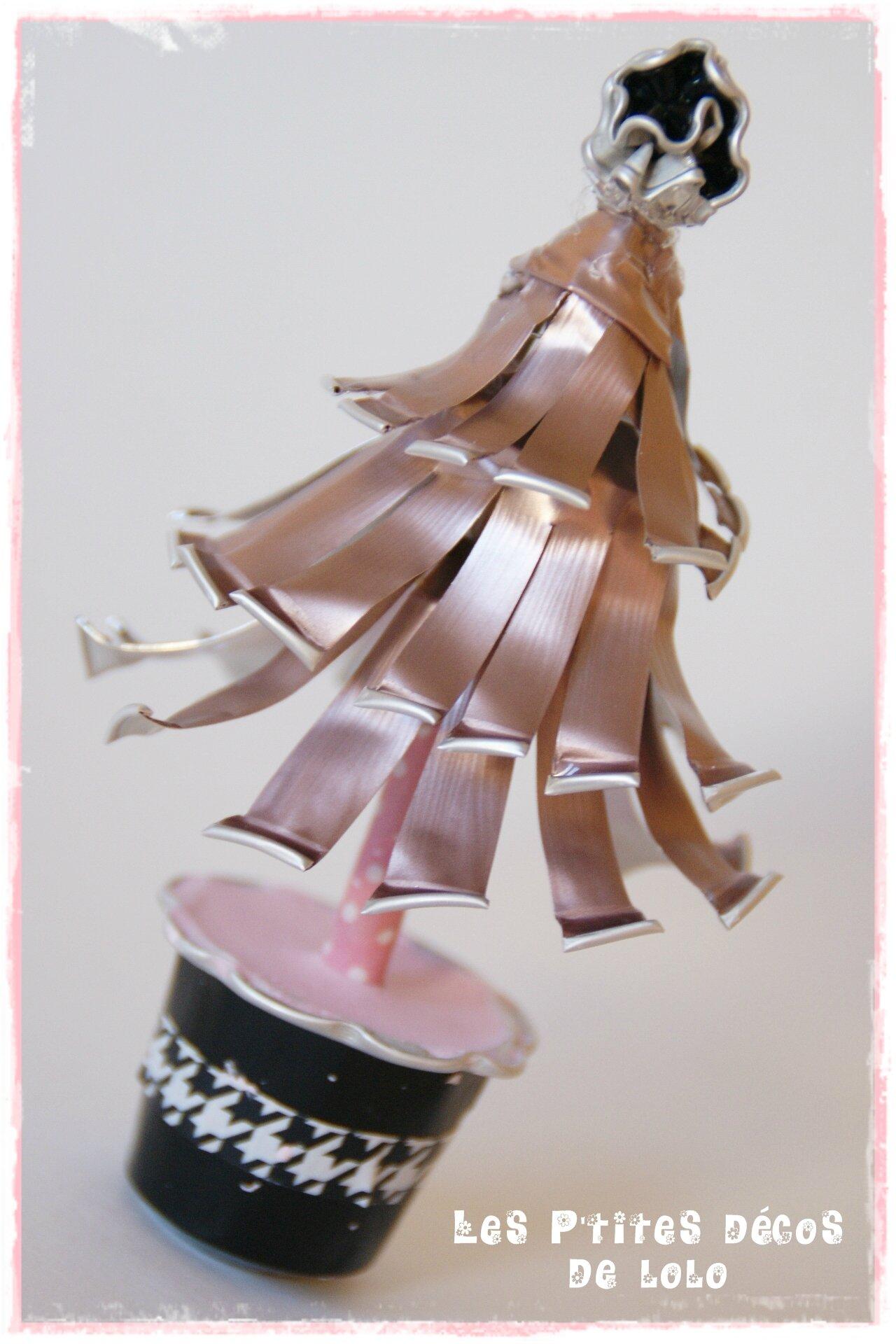 Mini sapin girly avec des capsules nespresso
