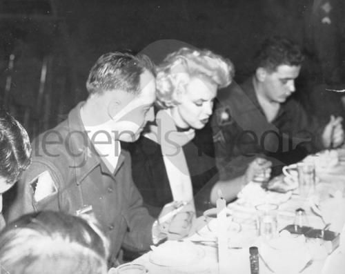 1954-02-19-korea_chunchon-K47_airbase-lunch_at_officers_club-020-1