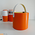 Objet vintage ... grand seau a glacons orange * simili cuir