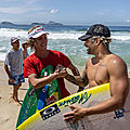 <b>Italo</b> Ferreira se cale une session de skim avec Lucas