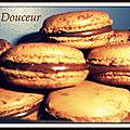 Macaron au chocolat amer