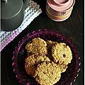 Cookies à la farine d'épeautre, flocons d'avoine et chocolat pour une pause douceur