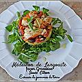 Médaillons de <b>langouste</b>, condiment grassoise, écrasée de pomme de terre et sauce citron