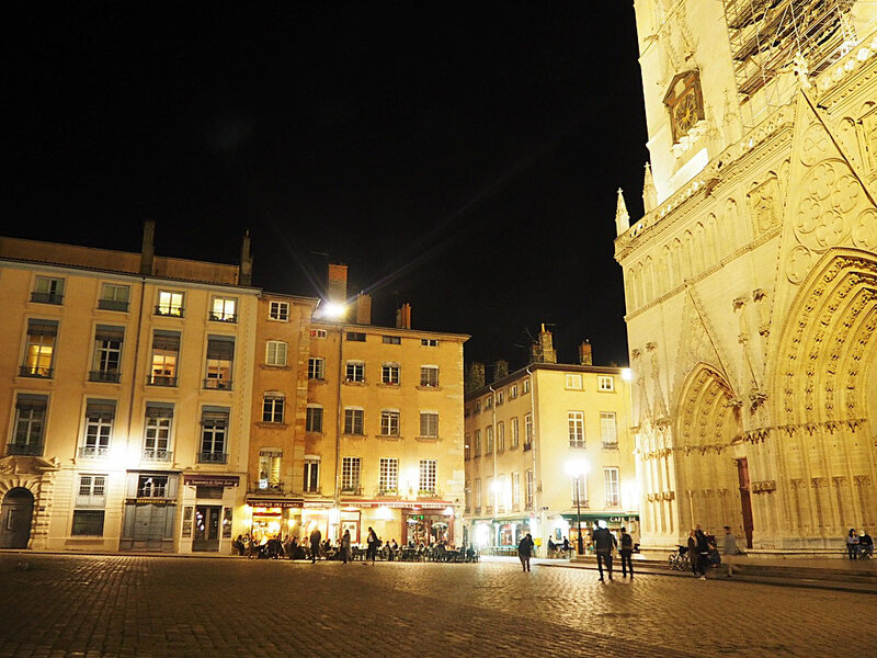 lyon-by-night-cathedrale-saint-jean-ma-rue-bric-a-brac