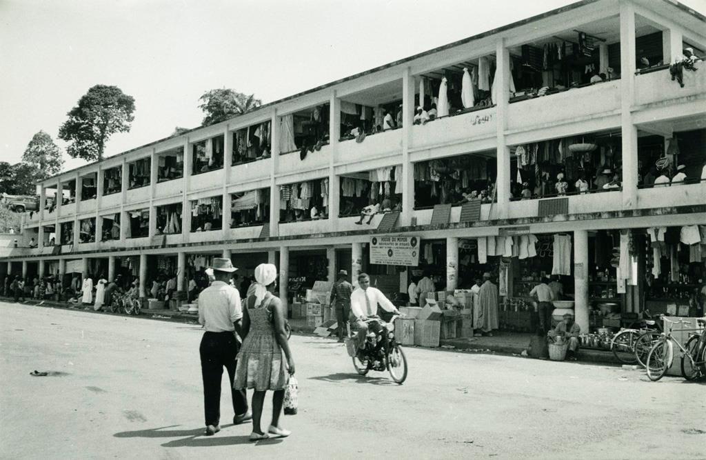 Yaoundé le marché central en 1950