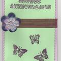 carte d'anniversaire violette et verte