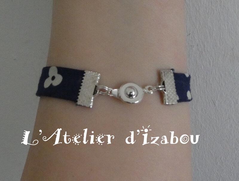 P1030205 Bracelet Fête des mères liberty et passant coeur martelé