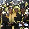 Collation des grades académiques: entre Fanny NNYOTA et Lydia BANZA dans la foule