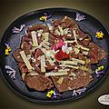 <b>Carpaccio</b> de bœuf et fleurs comestibles du jardin