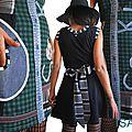 Robe maille écossais Noire et tissu écossais Classique Vert/ Marine à carreaux à applications Jeans